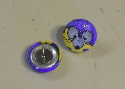 Rattie Button Earrings 1